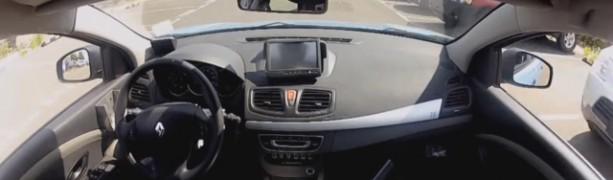 Renault že vozi samodejno in omogoča brezžično polnjenje
