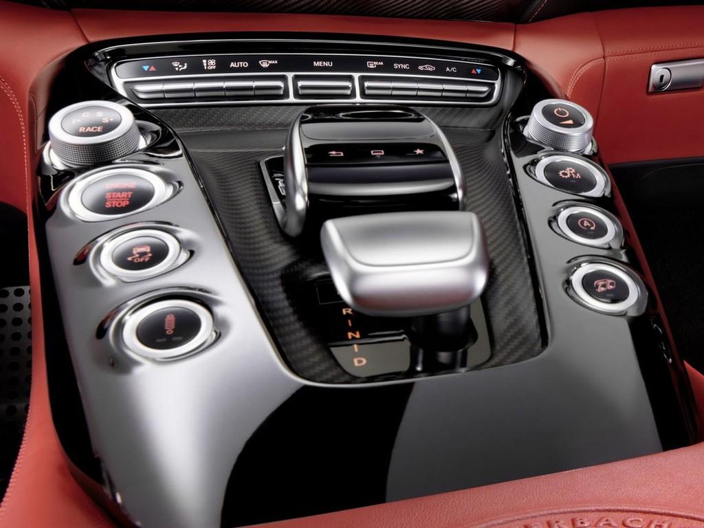 Avto_fokus_Mercedes-benz_AMG_GT_2_b