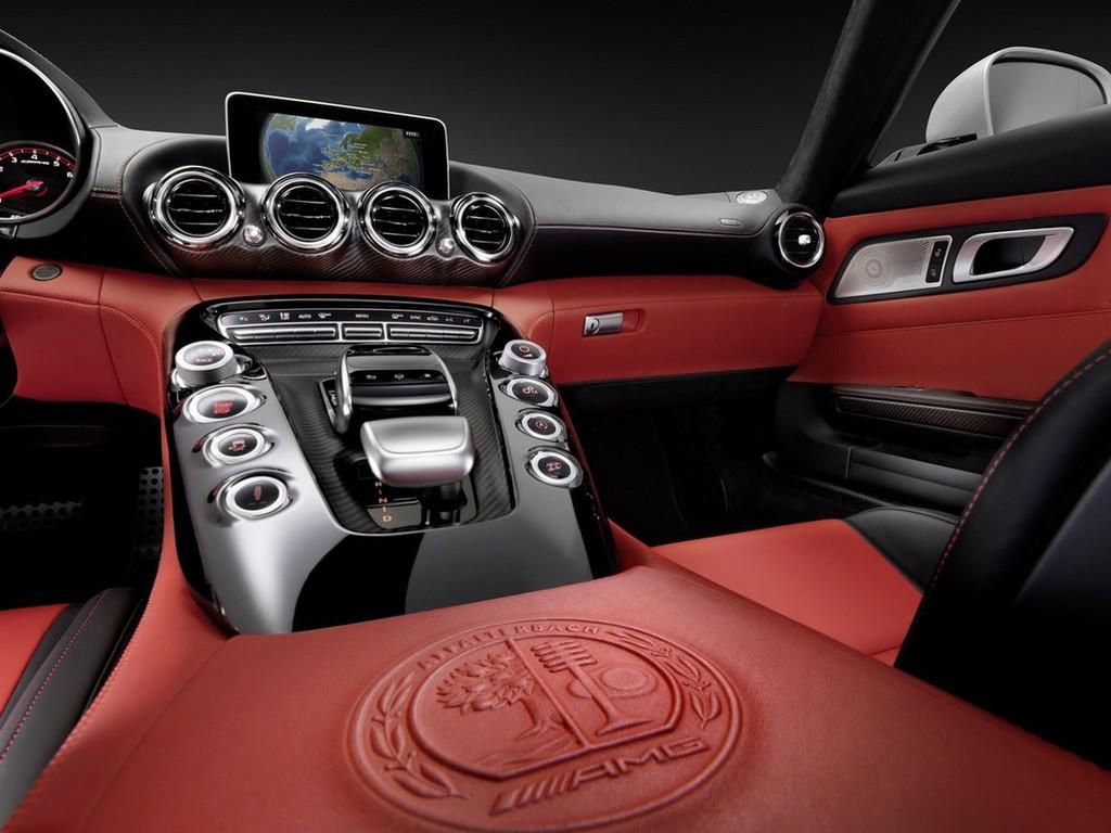 Avto_fokus_Mercedes-benz_AMG_GT_3_b